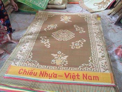 Chiếu nhựa Việt Nam bao tiền một cái