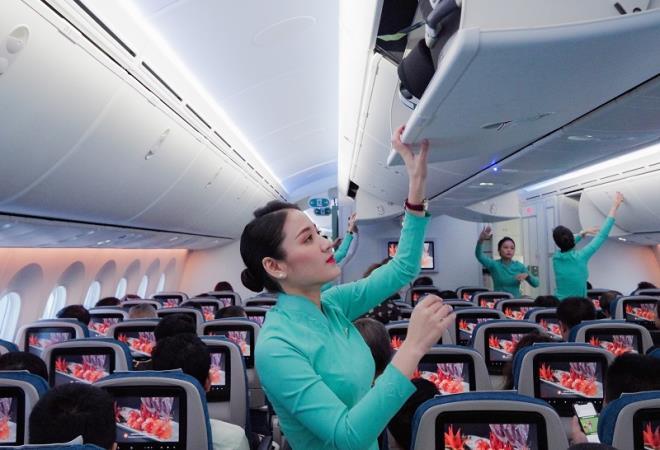 Làm tiếp viên hàng không tiền lương tháng được bao nhiêu