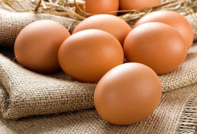 Trứng gà đỏ khác gì với trứng gà ta